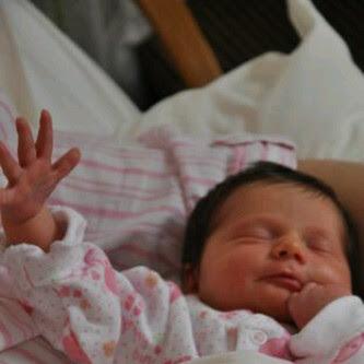 صوره صور بنات مواليد , مبروك البيبي الجديدة نورت البيت