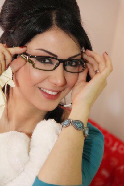 صورة صور دانا , شاهد الممثلة السورية دانا