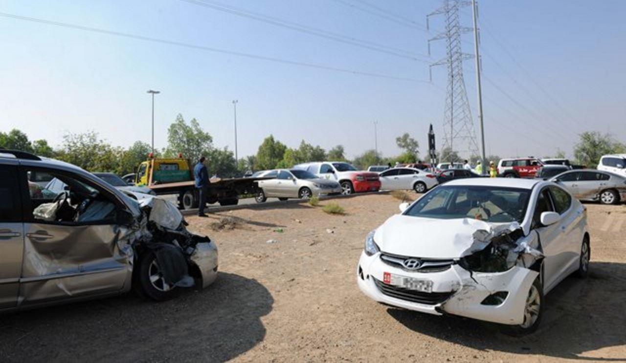 بالصور صور حوادث سيارات , صورة سيارات مدمرة من حوادث الطرق 1228 6