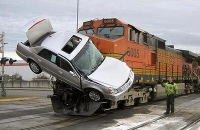 بالصور صور حوادث سيارات , صورة سيارات مدمرة من حوادث الطرق 1228 7