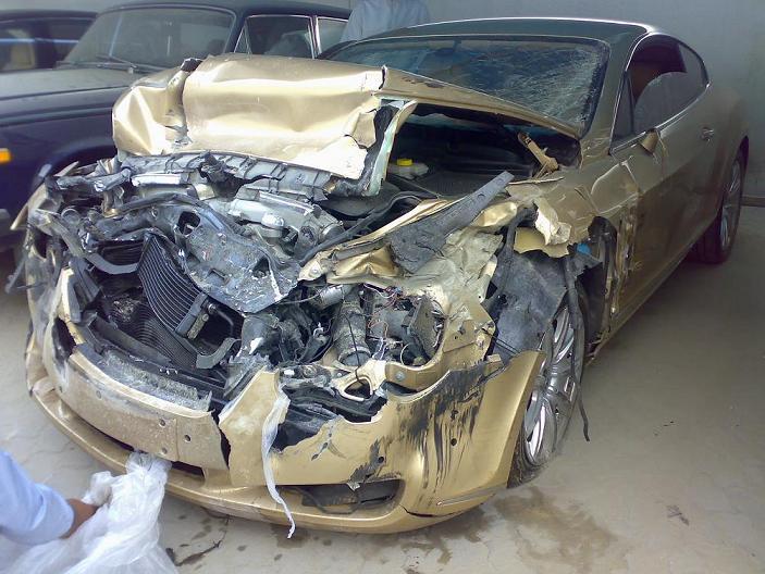 بالصور صور حوادث سيارات , صورة سيارات مدمرة من حوادث الطرق 1228