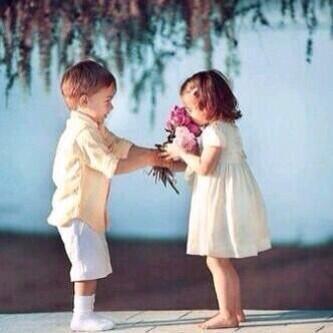 صورة صور رومانسيه للاطفال , اجمل اطفال نايس