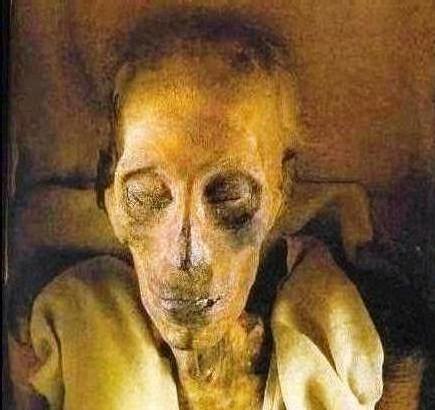 صورة صور فرعون , جثه فرعون