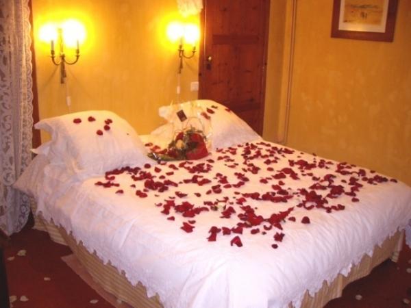 بالصور غرف نوم للعرسان رومانسية , كيفية تزيين غرف النوم بشكل رومانسي 3223 10