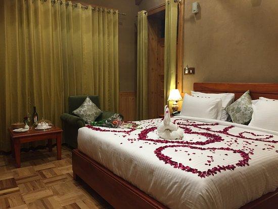 بالصور غرف نوم للعرسان رومانسية , كيفية تزيين غرف النوم بشكل رومانسي 3223 2