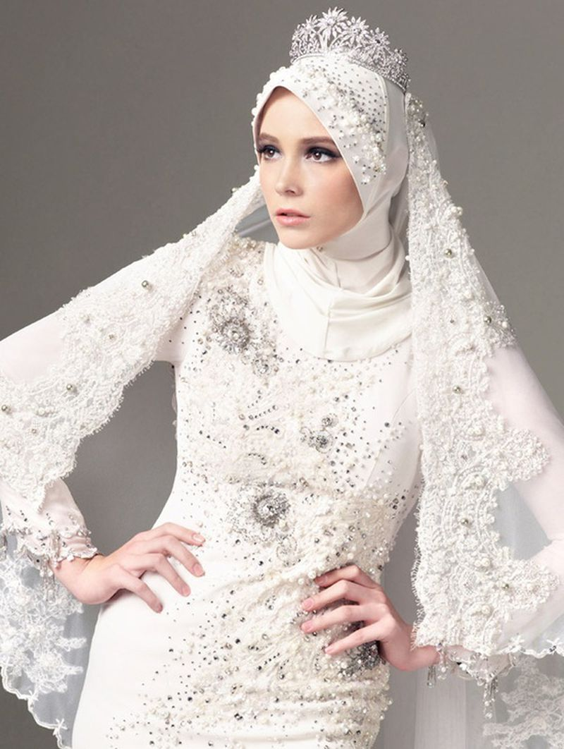 صوره صور فساتين زفاف محجبات , اجمل فساتين بيضاء للعرائس