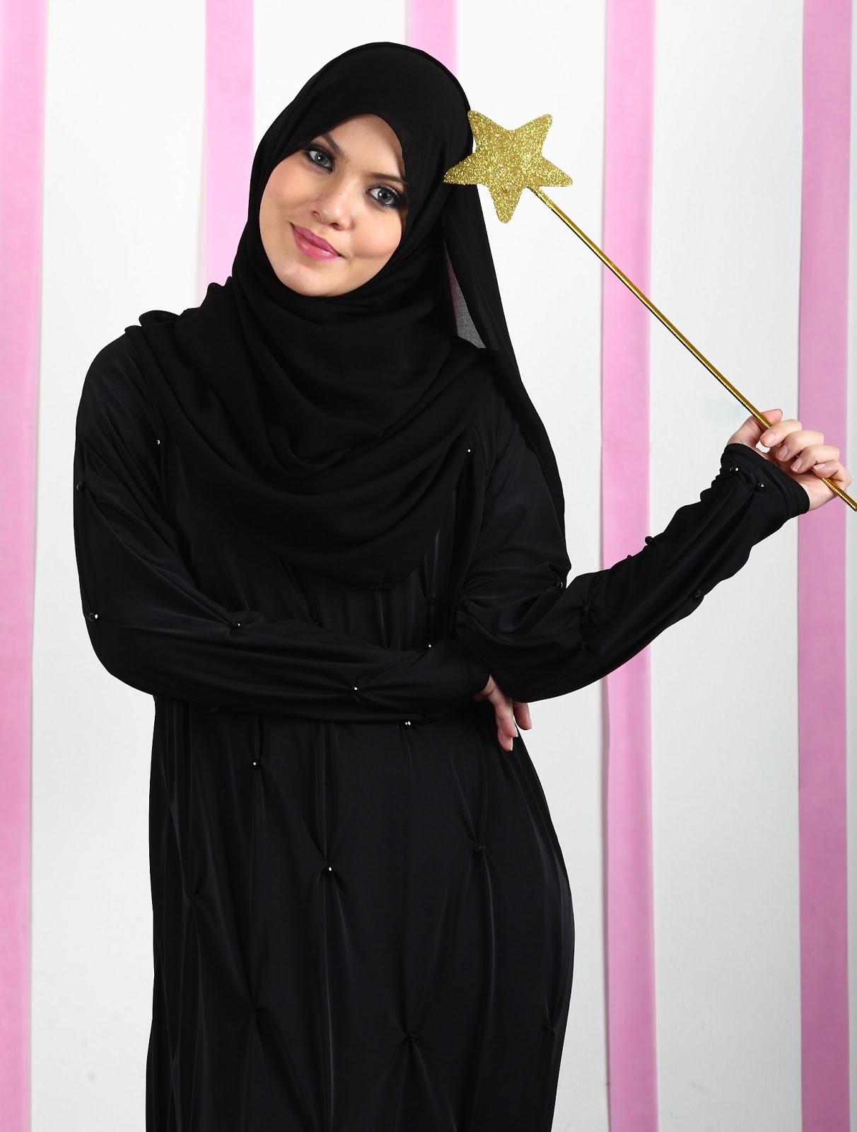 صور ملابس سوداء للمحجبات , شاهد شياكة اللبس الاسود للبنت المحجبة