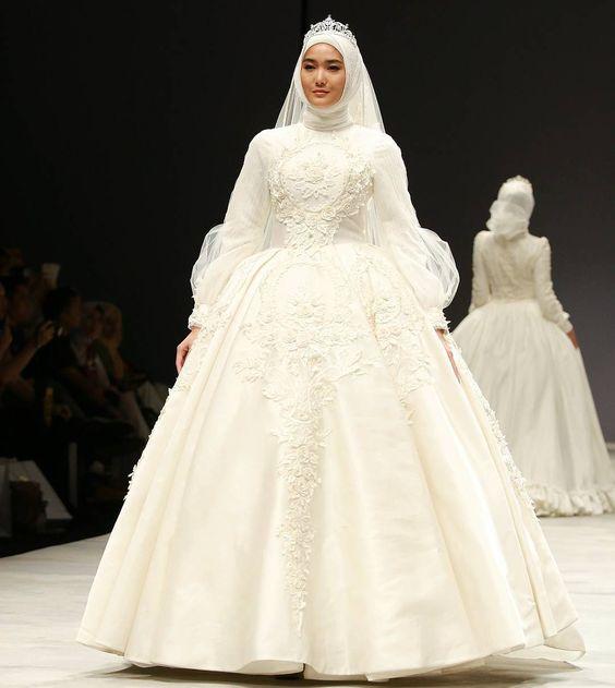 بالصور ازياء العروس , اروع فستان زفاف بالكمام 599 9