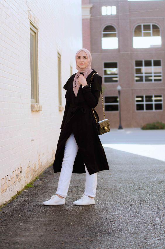 صورة عالم الموضة والازياء , ملابس للمراة الجميلة في شتاء