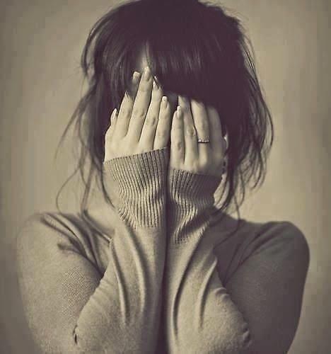 صورة صور بنت حزينه , خلفيات فتاة تبكي للفيسبوك