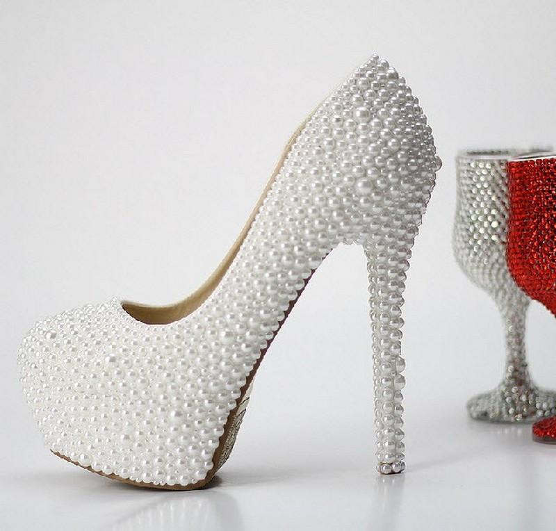 بالصور احذية عرايس كعب عالي , احذية بيضاء لاجمل عروس 5152 5