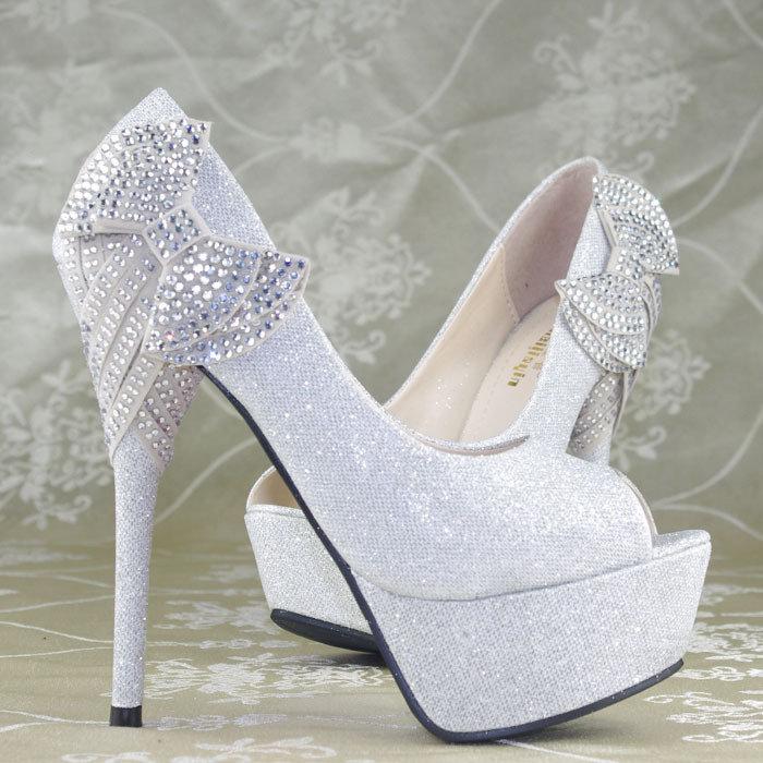 بالصور احذية عرايس كعب عالي , احذية بيضاء لاجمل عروس 5152 8