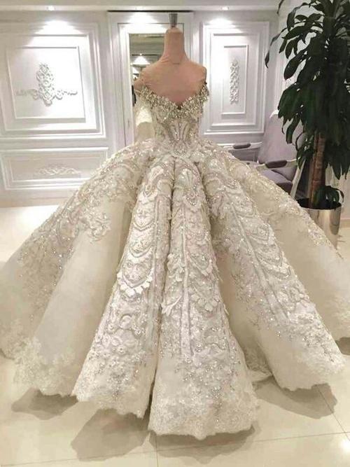 بالصور صور فساتين زفاف جميلة , بالصور اجمل فساتين الزفاف 5533 4