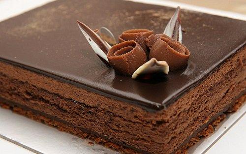 بالصور كيكة الشوكولاته بالصوص هشة ولذيذة بالصور من مطبخي , صور كيك شيكولاته 8024 5
