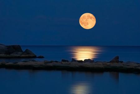 بالصور صور قمر , اجمل خلفيات للقمر 922 6