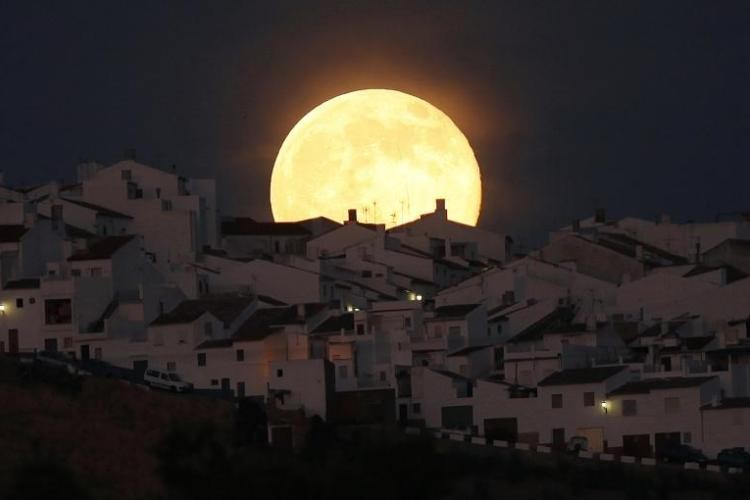 بالصور صور قمر , اجمل خلفيات للقمر 922 9