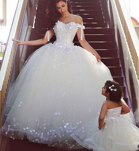 بالصور فستان عروس فيس بوك , اجمل فساتين زفاف متنوعة 5662 4