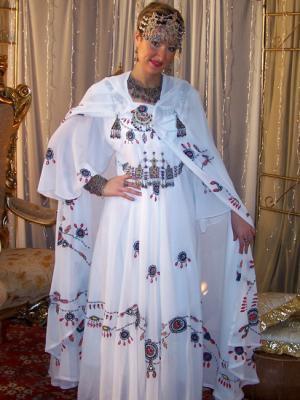 صور فساتين جزائرية للاعراس , 10 صور لاشيك فساتين الزفاف الجزائرية