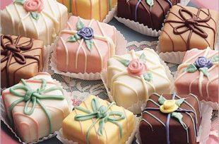 بالصور حلويات جزائرية عصرية , صور لاجمل الحلويات الجزائرية الحديثة في المناسبات 8074 1.jpeg 310x205