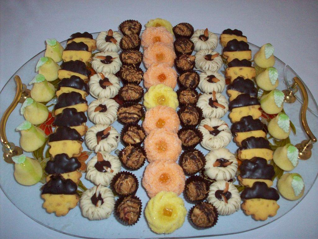 بالصور حلويات جزائرية عصرية , صور لاجمل الحلويات الجزائرية الحديثة في المناسبات 8074 5