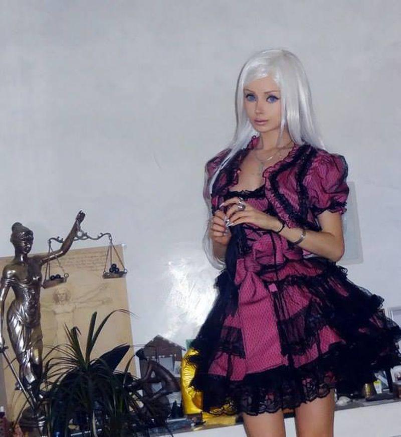 صورة فساتين باربي للبنات , شوفي اروع فستان بتصميم باربي لكل بنت 5458 6