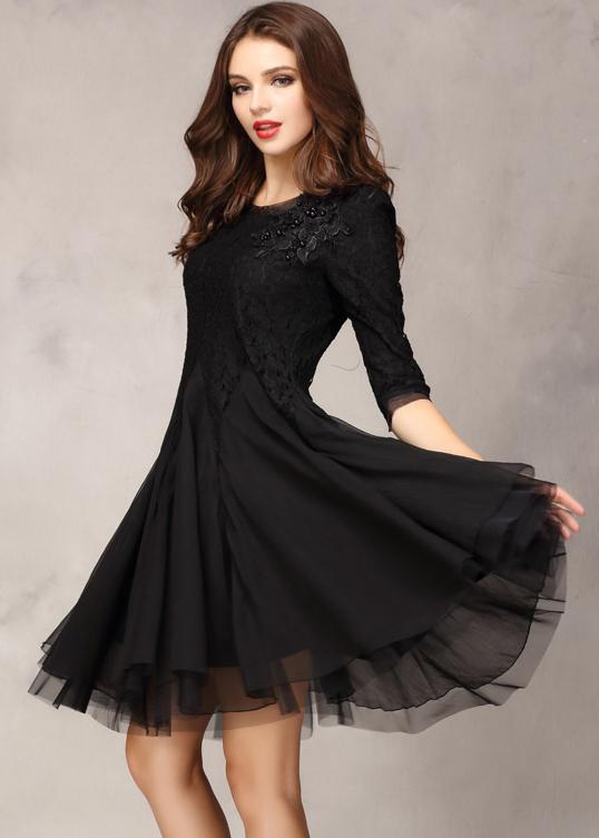 صورة فساتين سوداء قصيرة , احدث موديلات الفساتين السوداء القصيرة للصبايا