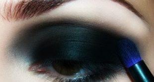صورة مكياج عيون اسود , طريقة وضع المكياج الاسود للعيون