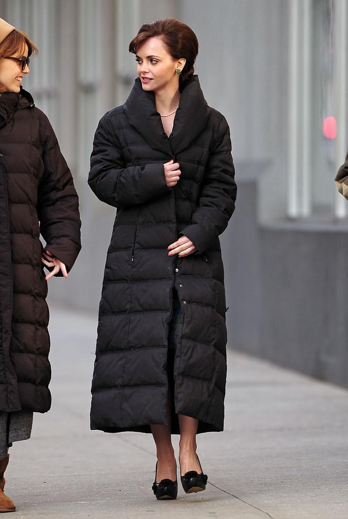 بالصور ملابس الشتاء للبنات , صور بالطوهات ماكسي للفتيات 5145 9