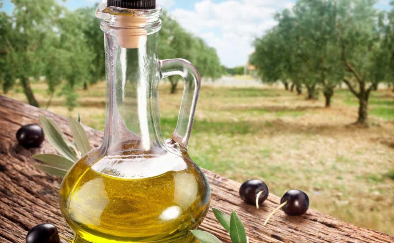 صورة زيت الزيتون للبشرة , وصفات للوجه بزيت الزيتون 6332